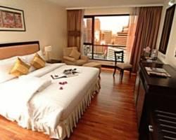 Bandara Suites Silom