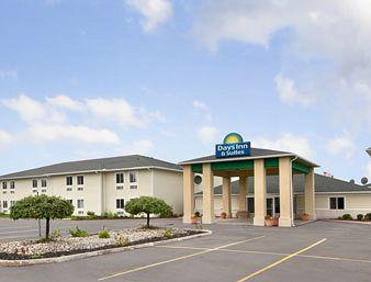 ‪Days Inn & Suites Dundee‬