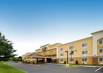Photo of Comfort Inn & Suites Tinton Falls