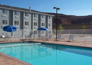 River Canyon Lodge Inn and Suites