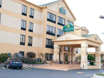 Photo of La Quinta Inn & Suites Memphis East-Sycamore View