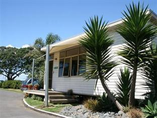 ‪Takapuna Beach Holiday Park‬
