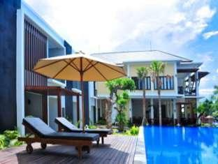 Padma Sari Beach Front Resort