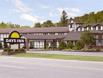 Days Inn Munising (M-28 East)