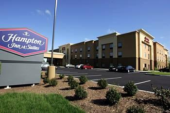 Photo of Hampton Inn & Suites Manchester