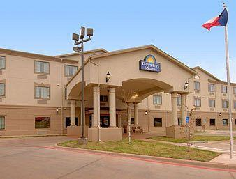 Photo of Days Inn & Suites Wichita Falls