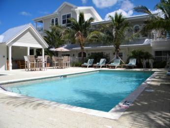 Photo of Mainsail Beach Inn Holmes Beach