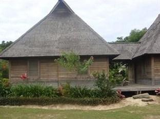 Tau Village Lodges