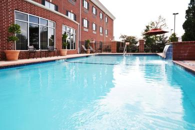 Holiday Inn Express Hotel & Suites Sulphur S