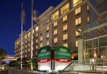 ‪Courtyard by Marriott Charleston Historic District‬