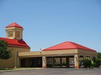 Photo of Super 8 Plainview