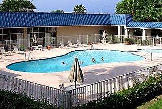 Motel 6 Houston - I-10 East #4804