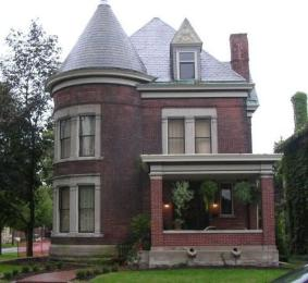 Worthington Mansion B & B