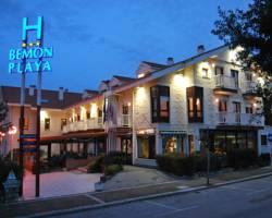 Photo of Hotel Bemon Playa Somo