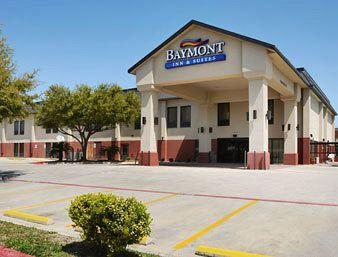 Photo of Baymont Inn & Suites New Braunfels