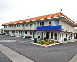 Motel 6 Lancaster