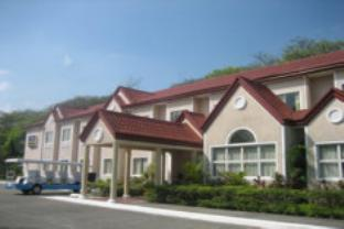 ‪Microtel Inn & Suites by Wyndham Tarlac‬