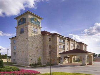 ‪La Quinta Inn & Suites DFW Airport West - Euless‬