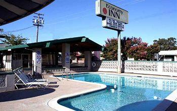 Photo of Economy Inn Ukiah