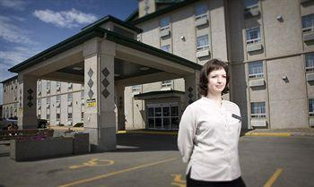 Service Plus Inn & Suites Grande Prairie