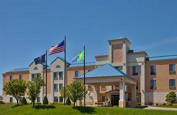 Holiday Inn Express Hotel &amp; Suites HUTCHINSON, KS