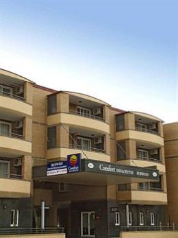 Photo of Comfort Inn &amp; Suites Burwood