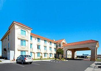 Photo of Comfort Inn & Suites Lancaster