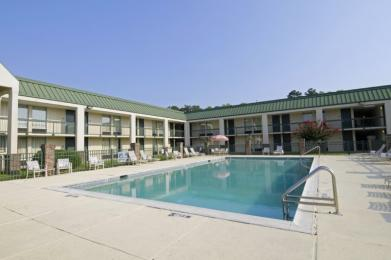 Photo of Econo Lodge Hinesville