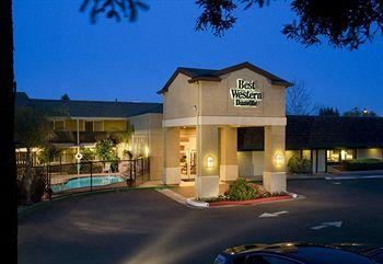 Photo of BEST WESTERN PLUS Danville Sycamore Inn