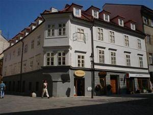 Apartment Hotel Laurinska