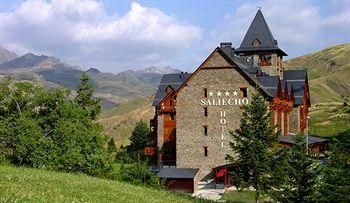 Photo of Hotel Saliecho Sallent de Gallego - Formigal