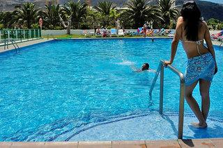 Photo of Comodoro Apartments Los Cristianos