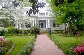 Southern Elegance Bed and Breakfast