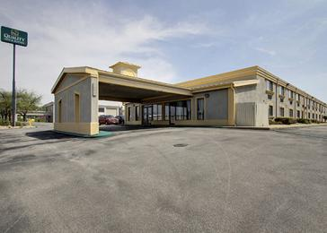 Photo of Quality Inn & Suites Bloomington