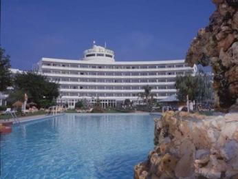 El Paraiso Hotel