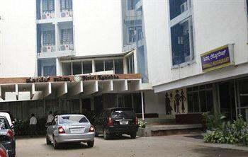 Kanishka Hotel
