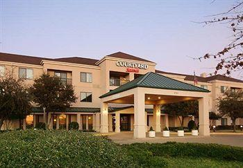 ‪Courtyard by Marriott Dallas Lewisville‬