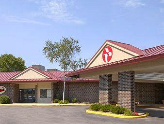 Photo of Ramada Rochester