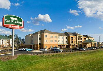 Photo of Courtyard By Marriott Hattiesburg