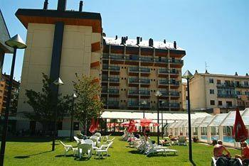 Photo of Aparthotel Oroel Jaca