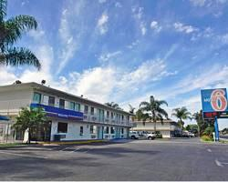 Motel 6 Stanton