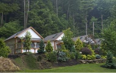 Breadloaf Mountain Lodge & Cottages