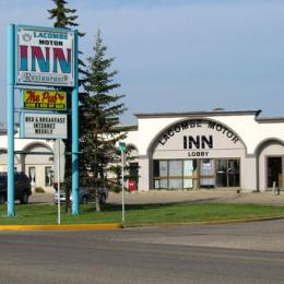 Photo of Lacombe Motor Inn