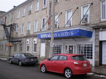 ‪Royal Inn & Suites‬