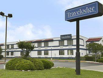 Travelodge San Antonio/Near Fort Sam/ATT Center