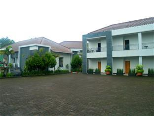 Amazing Cipanas Hotel