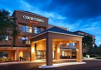 ‪Courtyard by Marriott Chicago West Dundee‬