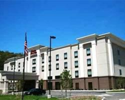 Hampton Inn & Suites Warren