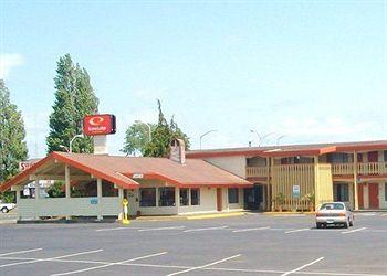 Photo of Econo Lodge Inn & Suites Hoquiam