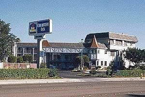 ‪BEST WESTERN Courtesy Inn‬